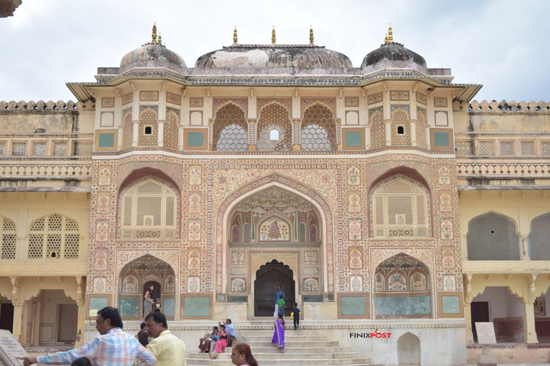 entry to the main palace of amber fort jaipur