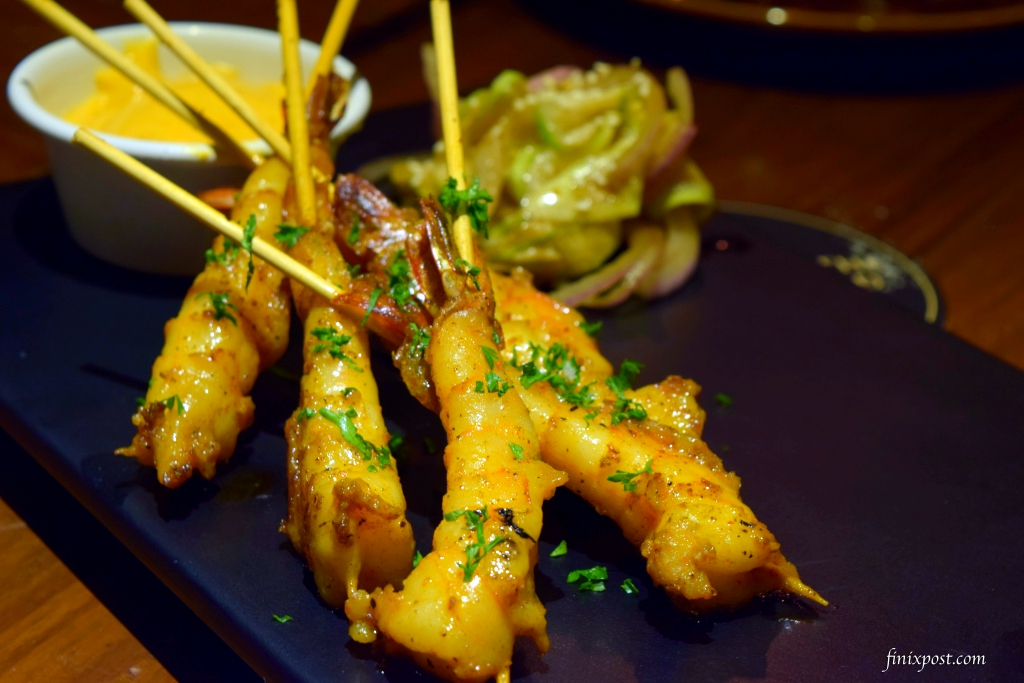 skewered prawns at wolfgang & company, delhi