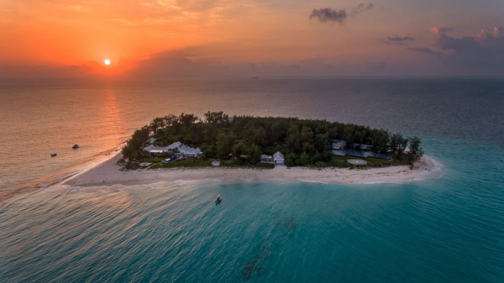 Luxury Vacation Thanda Island