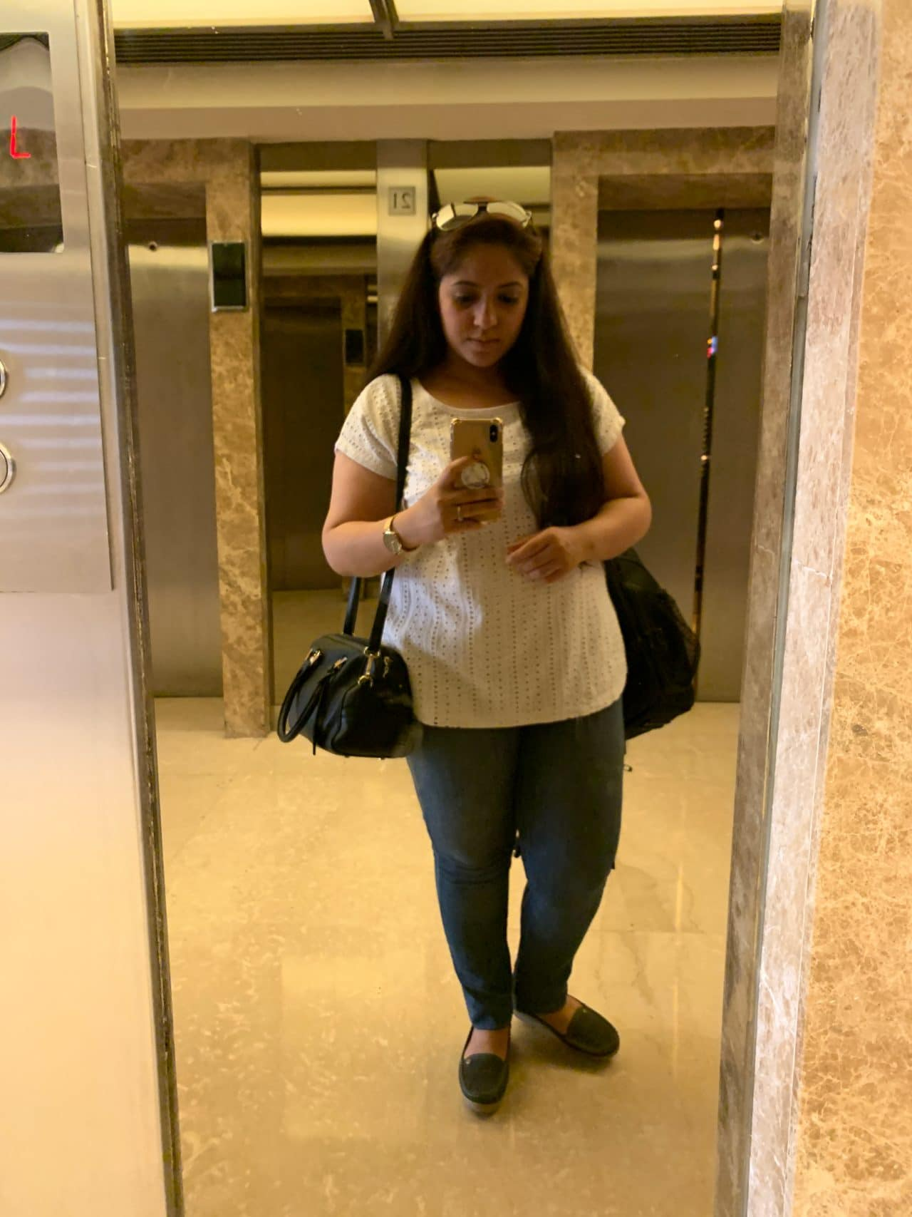 life of manpreet at luxury hotel in delhi